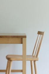 快適な木の家具がある暮らしを提案