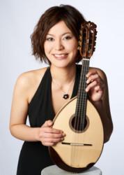 マンドリンの優しい音色を愛の楽曲で 実力派・佐古季暢子が紡ぐストーリー