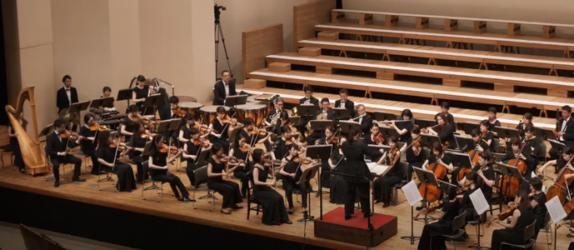 一般公募によるオーケストラと共に 音楽を通じて平和の心を発信